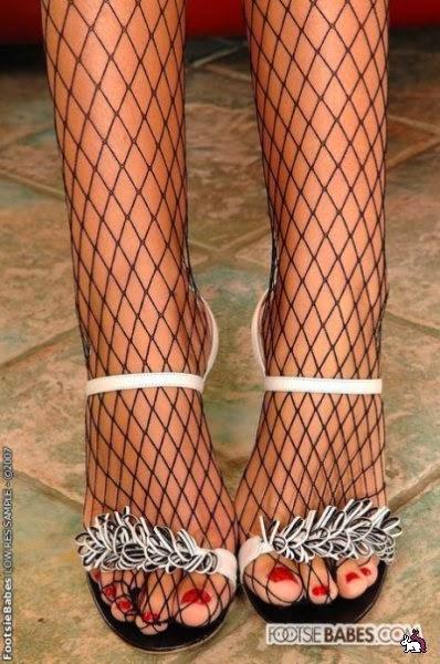 пальчики ног в колготках фото