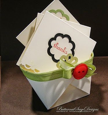 http://thestoreannex.blogspot.com/2011/11/berry-basket-makes-perfect-hostess-gift.html