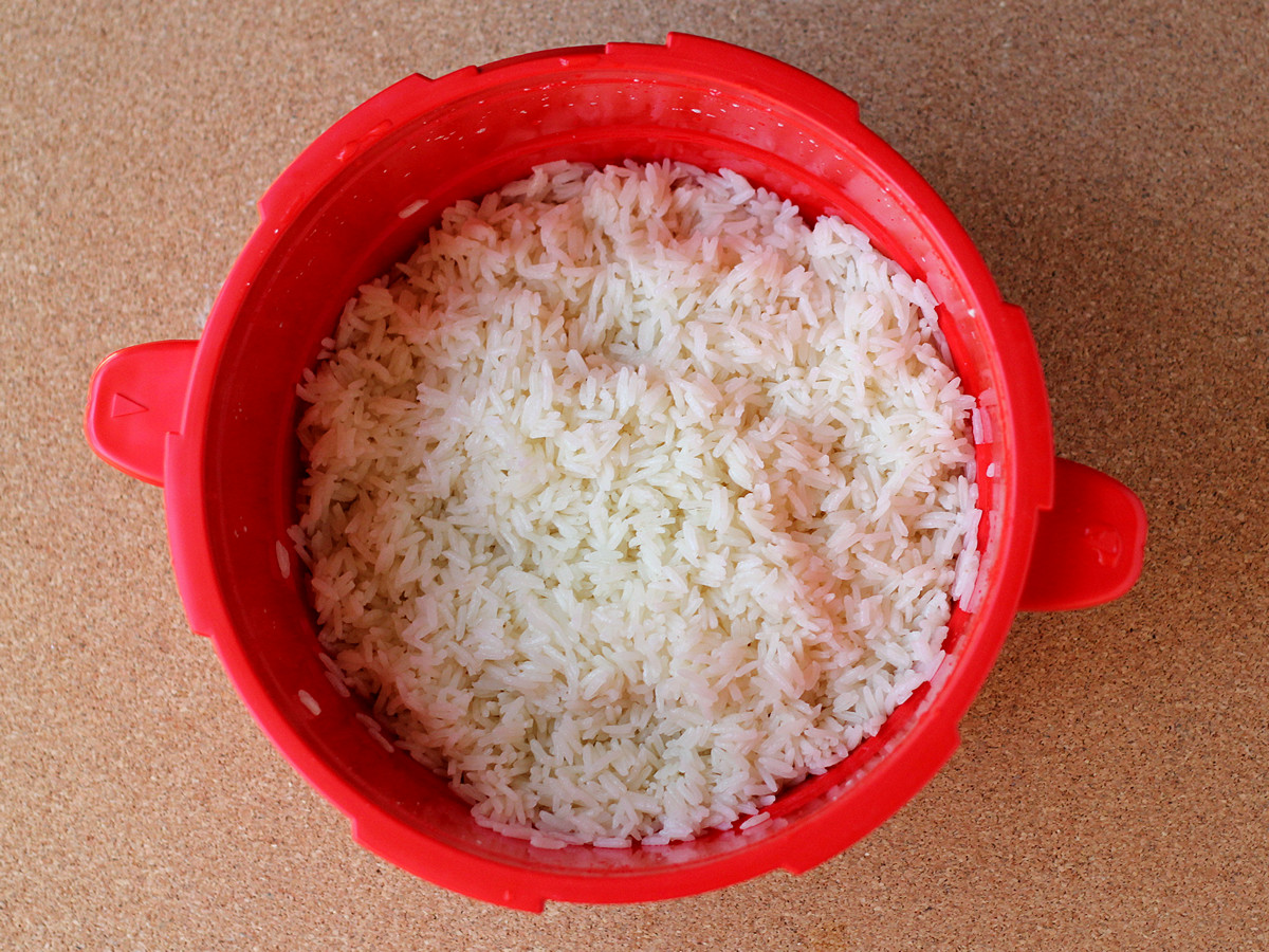 The Pressure Valve Was Already Down, So I Opened The Cooker, And Rice!