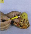 Cara membuat Boneka Jawa Dari Botol Bekas step 2