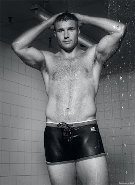 SEXY HAIRY HUNK RUGBY PLAYER BEN COHEN