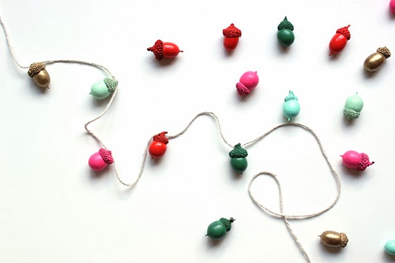 making a christmas garland is a fun and kid friendly project i make something for our house ever year and this christmas it will be one of these - Diy Christmas Garland Ideas