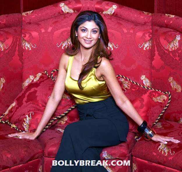 Shilpa Shetty yellow silk tanktop photos