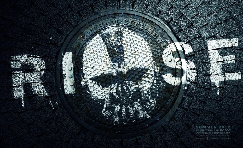 http://3.bp.blogspot.com/--EXVI204JNU/T_eG74exPPI/AAAAAAAAA2k/JQ99bRBuvBE/s1600/Bane+Poster+Batman.jpg
