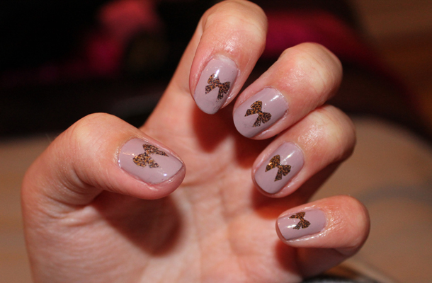 Sweet Monday: Nail Bow Transfers