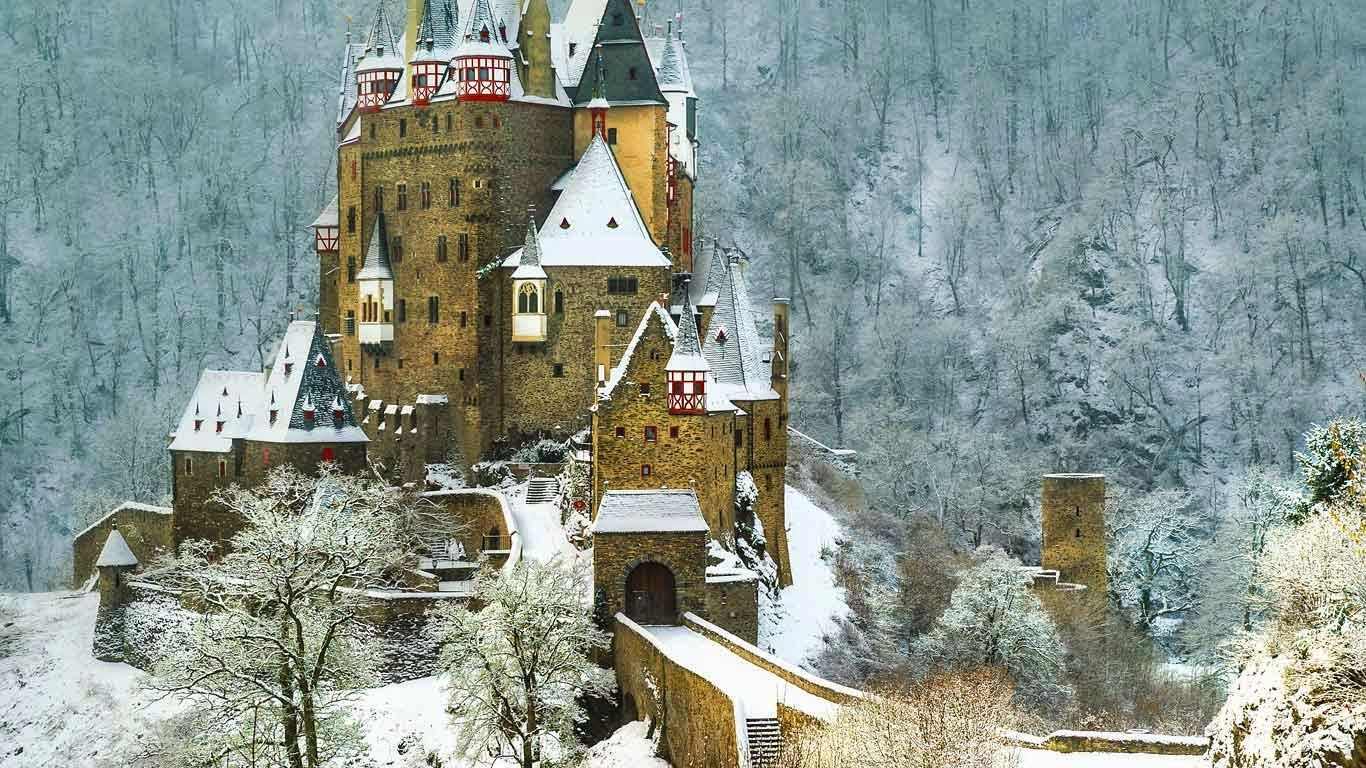 Eltz Castle between Koblenz and Trier, Germany (© Nikiforov Alexander/Shutterstock) 446
