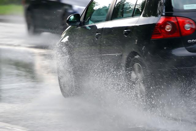 3 Tips para manejar con lluvia