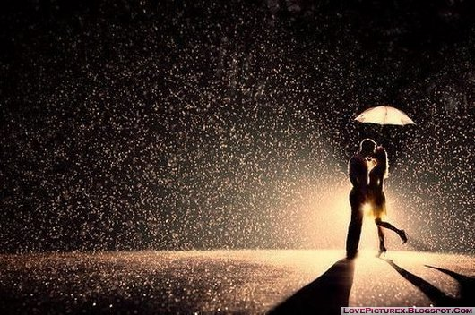 couple-in-love-rain-kiss-romantic