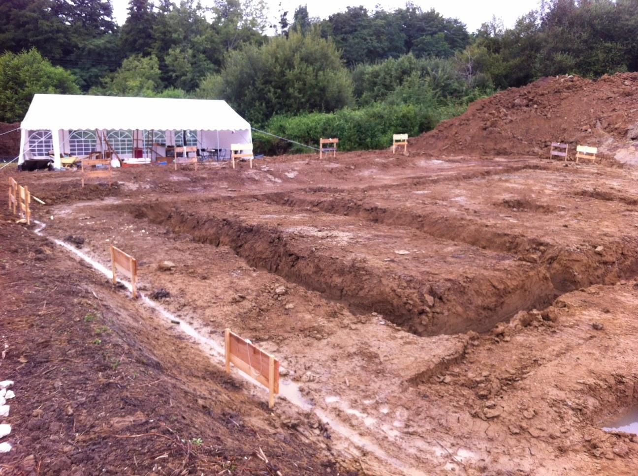 Le chantier dautoconstruction est lancé depuis le 28 juillet avis aux bénévoles notre chantier dautoconstruction maison terre