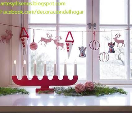 Como decorar ventanas para navidad for Disenos navidenos para decorar puertas