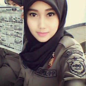 Foto Satpol PP Cantik Nurul Habibah