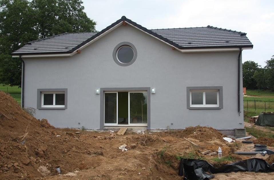 d coration de la maison peinture facade maison grise. Black Bedroom Furniture Sets. Home Design Ideas