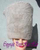 Toque en cheveux blanc P.H.H ©