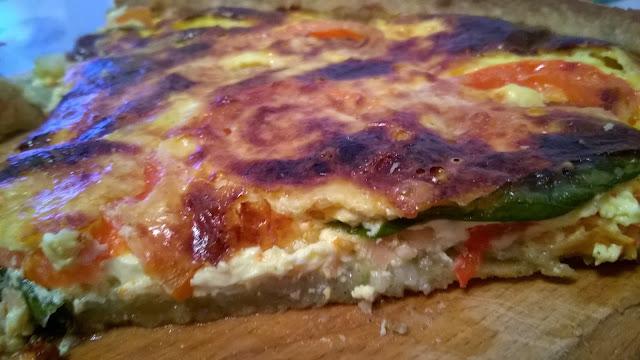 Tarte wakamé, saumon et tomates
