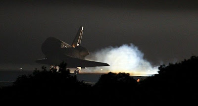 The Final Landing of Endeavour Seen On www.coolpicturegallery.us