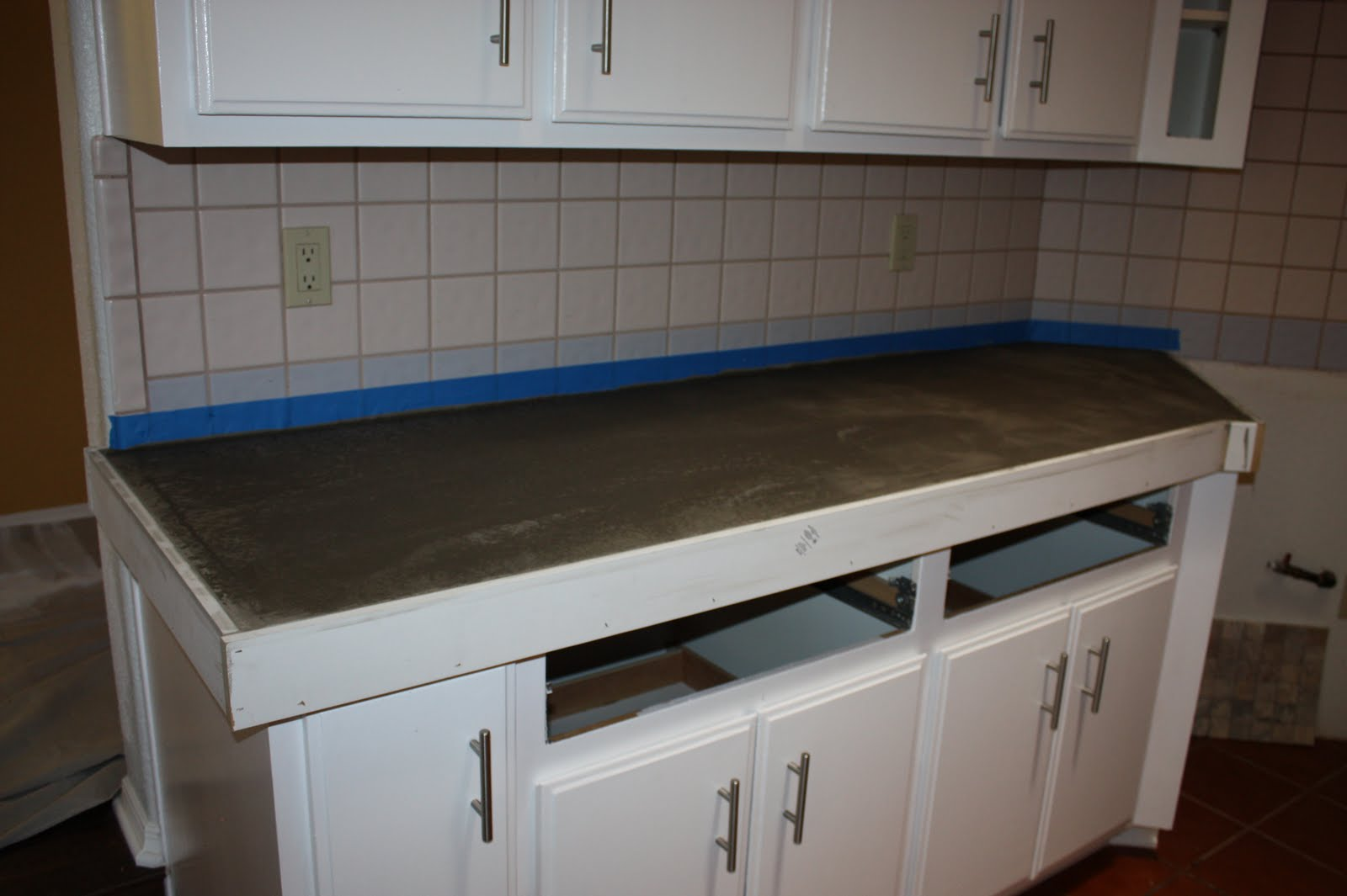 Remodelaholic | Quick Install of Concrete Countertops! Kitchen ...