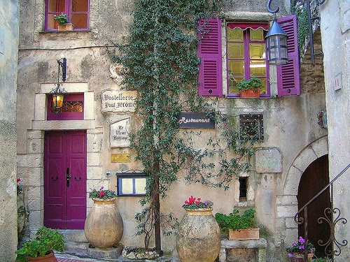 Feng shui what does your front door say about you gates - Purple front door feng shui ...