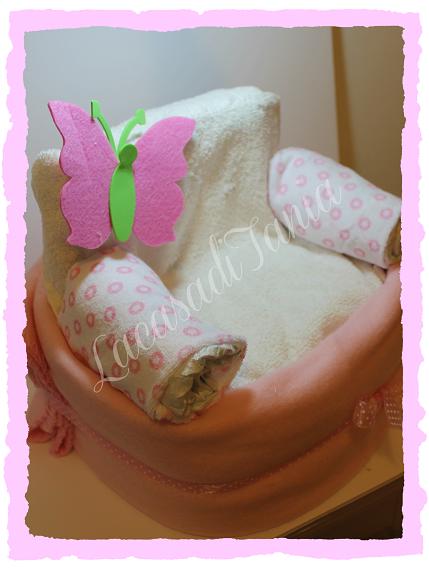torta di pannolini a forma di poltrona
