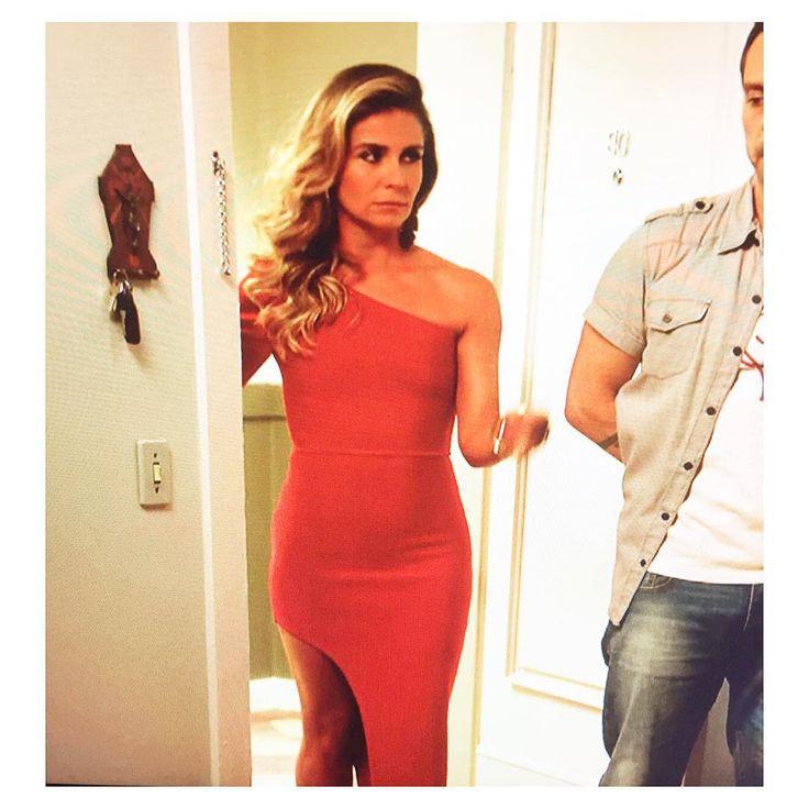 http://3.bp.blogspot.com/--G2BoxBdTRA/VoGHdBmma0I/AAAAAAAADYE/q4DhQlGQ2v8/s1600/Atena-giovanna-antonelli-vestido-natal-a-regra-do-jogo.jpg
