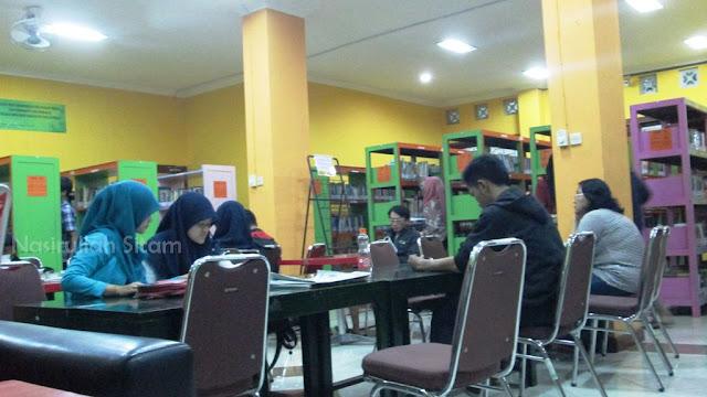 Suasana di dalam Perpustakaan Kota Yogyakarta