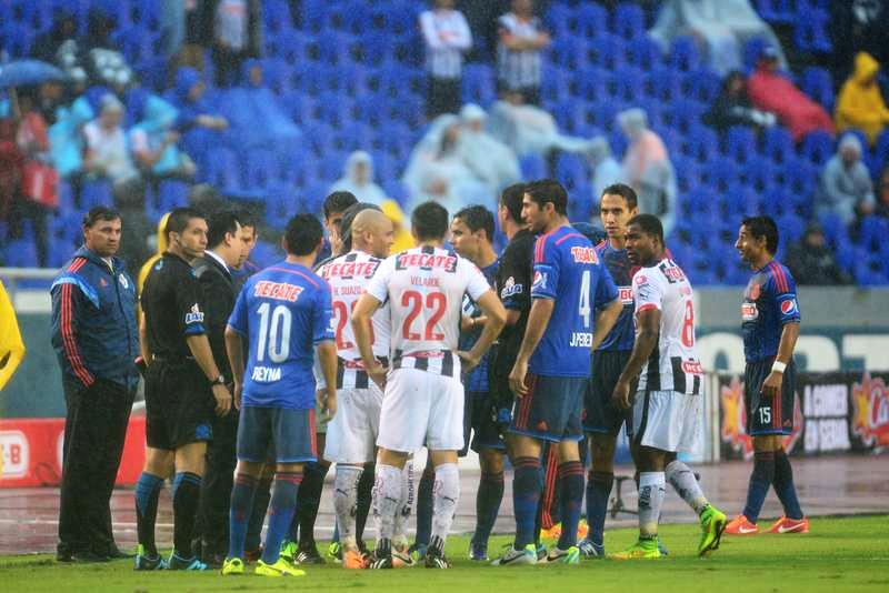 Fue debido a esa lesión de Mier que los jugadores, principalmente de Rayados solicitaron al árbitro central que ya no se jugara el encuentro.