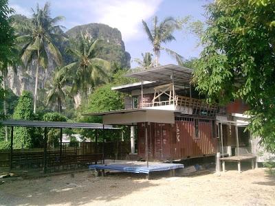 Casas contenedores casa hecha con contenedores marinos en tailandia - Casas en contenedores marinos ...
