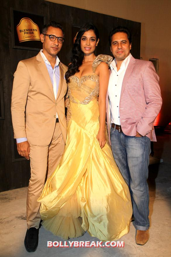 Sarah Jane Dias in yellow gown at Seagram's Blenders Pride Fashion Tour 2012 - (10) - Seagram's Blenders Pride Fashion Tour 2012 Photos