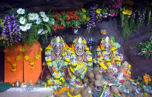 Grahon Ke Bure Prabhav se Bachane v  Dhan  ke liye Nariyal
