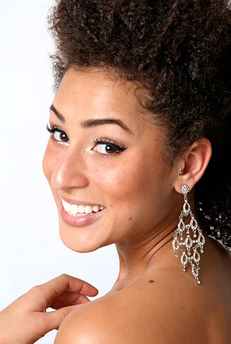 Miss Universe Canada 2011 Contestant - Tina Grant's Photo & Profile/Biography