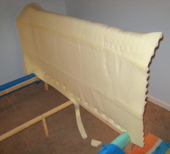 Как обтянуть тканью кровать своими руками