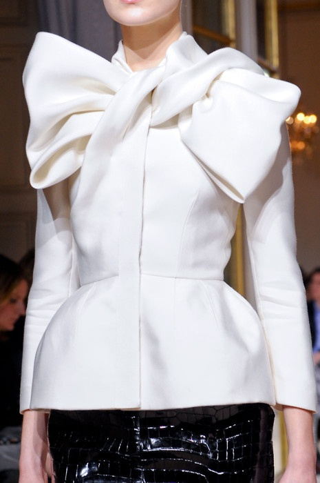 Giambattista Valli couture white bow peplum jacket