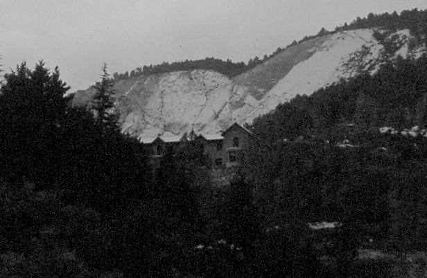 refugio fabrica clot del moro asland abandono tren cement cemento