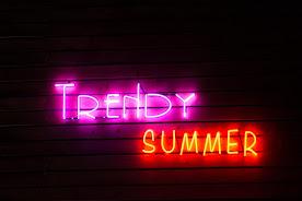 """TRENDY BAR""!!"