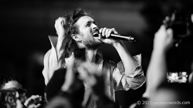My favourite Concert Pictures of 2015 Edward Sharpe and The Magnetic Zeros at TURF The Toronto Urban Roots Festival Photo by John at One In Ten Words oneintenwords.com toronto indie alternative music blog concert photography pictures