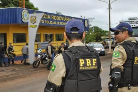 [ Osvaldo Duarte ] Policiais participam de capacitação para nivelar técnicas de abordagem que serão usadas na Copa