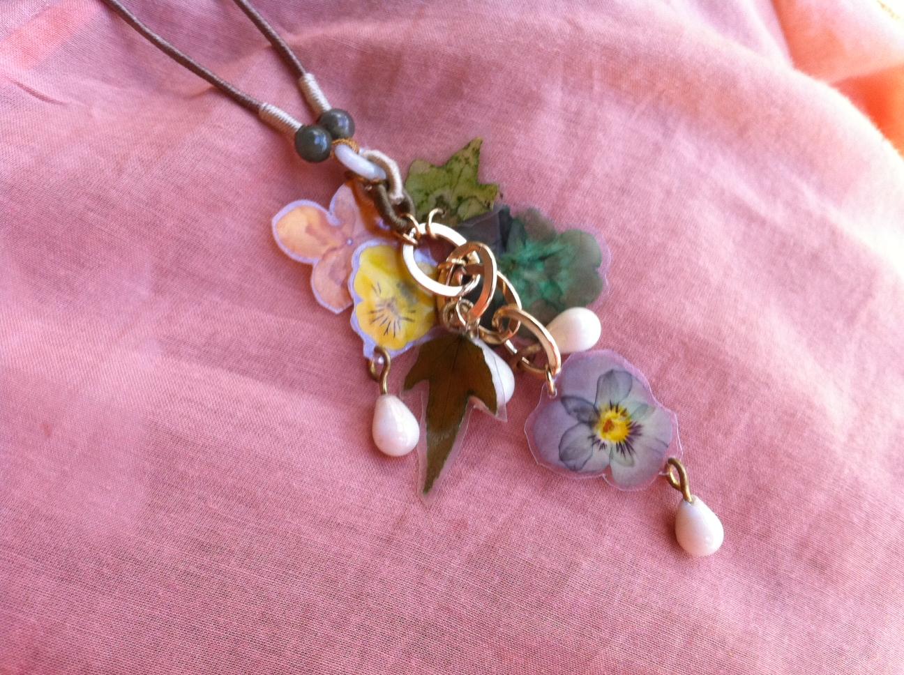 Bondville Kula Jungle pressed flower jewelry