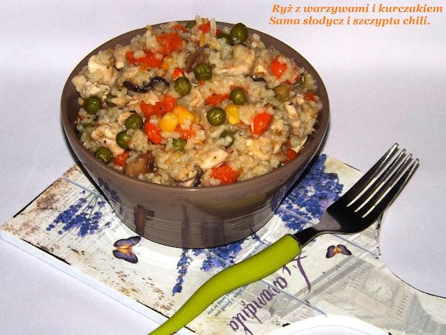 Ryż z warzywami i kurczakiem.