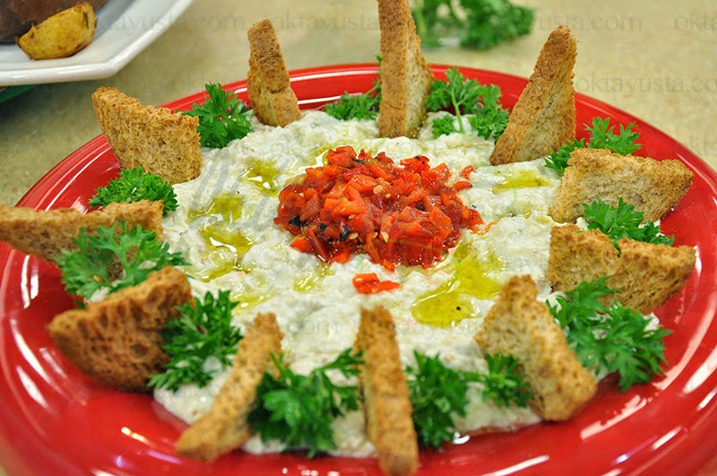 Yoğurtlu Ezme Patlıcan Salatası Tarifi