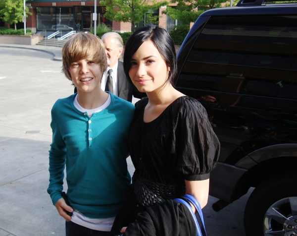 selena gomez and justin bieber pictures together. justin bieber et selena gomez.