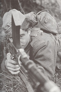 WW2 Czech soldier in England-exercise-Bren light machine gun