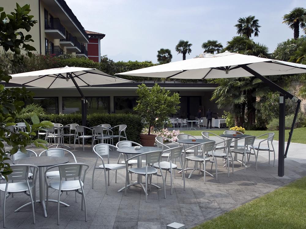 Arredo per esterno bar ristorante design poggesi for Arredo esterno design