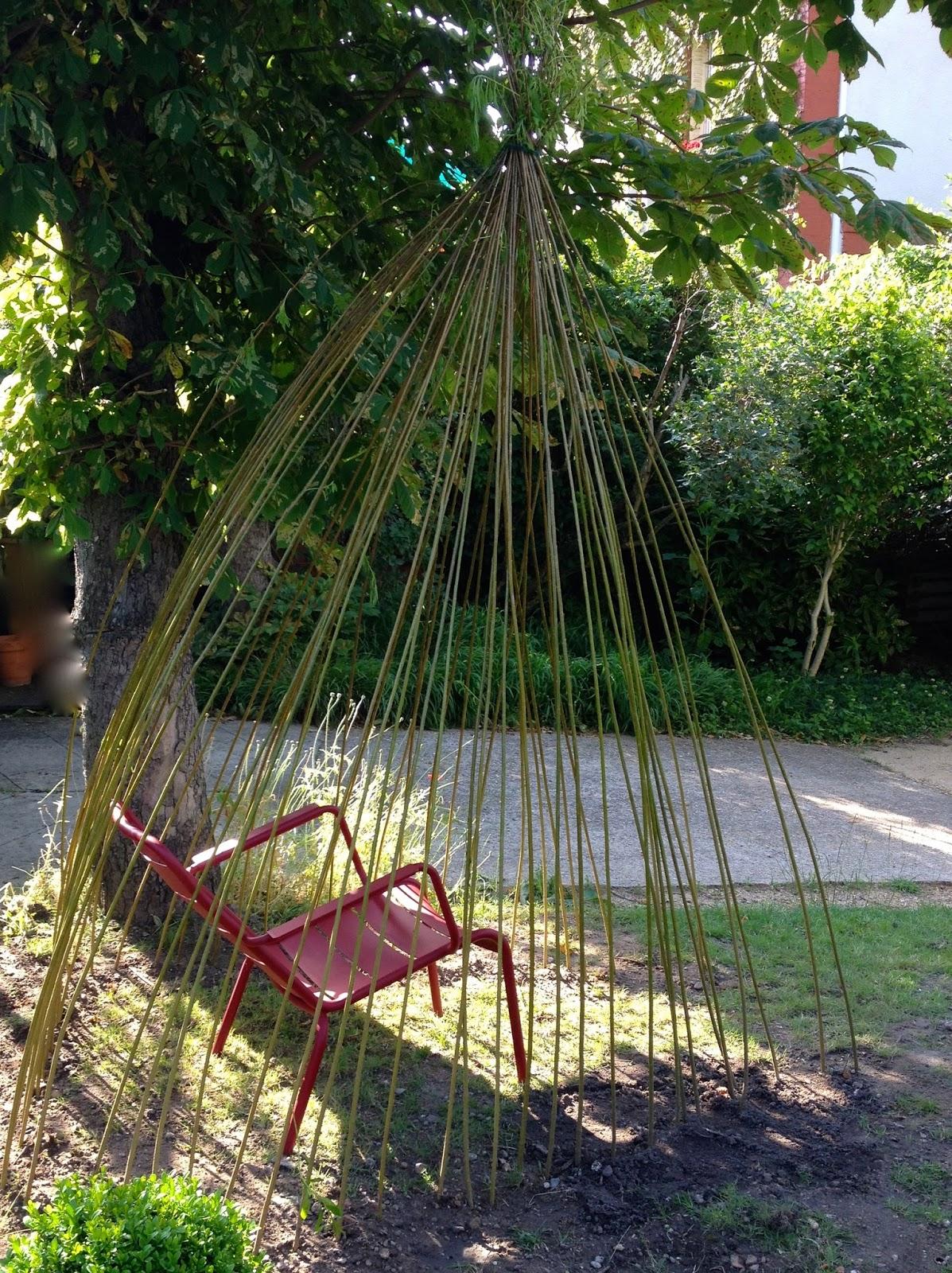 From soph to you diy cabane plant e en osier for Decoration osier pour jardin