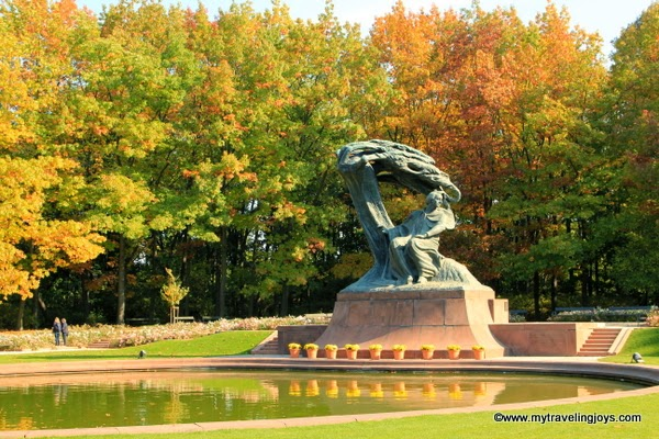 Lovely Fall Colors In łazienki Park In Warsaw My Traveling