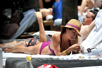 Brooke Burke, her boyfriend, Poolside, Miami, Miami Beach, Miami Beach hotels, Miami luxury Hotels, Travel in Miami, Travel to Miami Beach, Travel to Miami luxury hotel, Travel to Miami tour