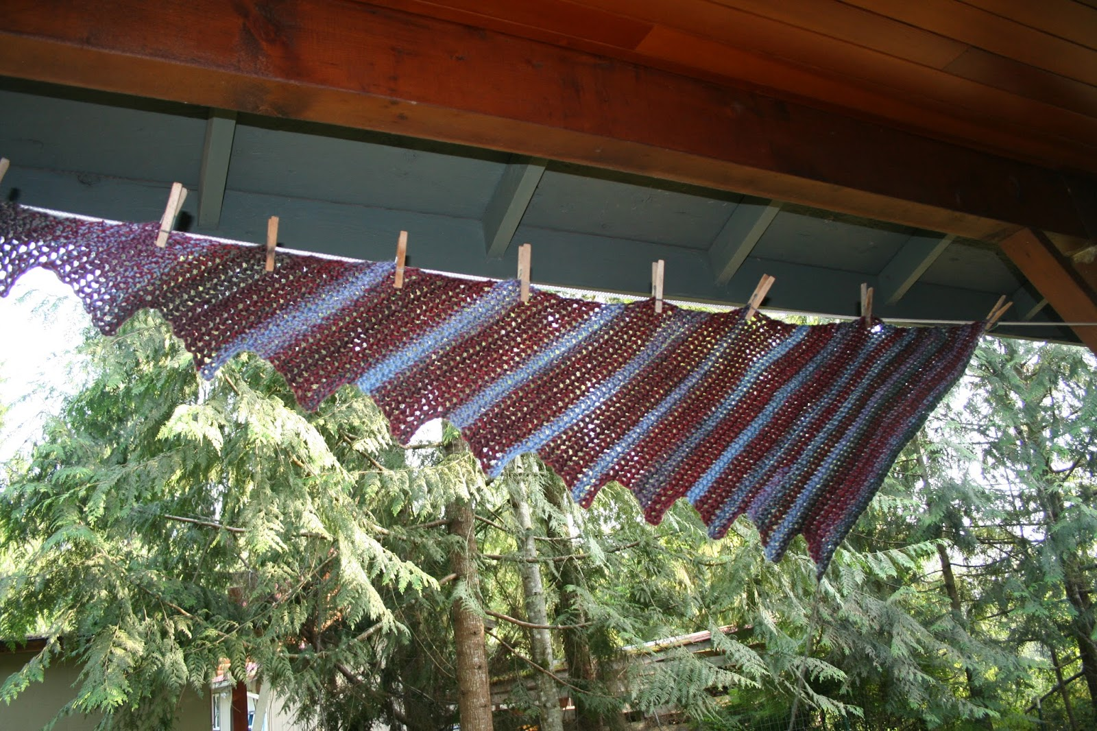 Living Well with SuziQue: Dragon Tail Crochet Scarf: FREE Pattern