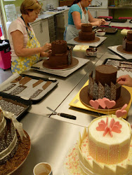 Intermediate 14 Chocolate Panelled Cake Class