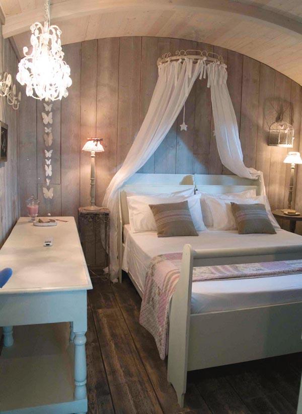 Camera da letto in stile shabby