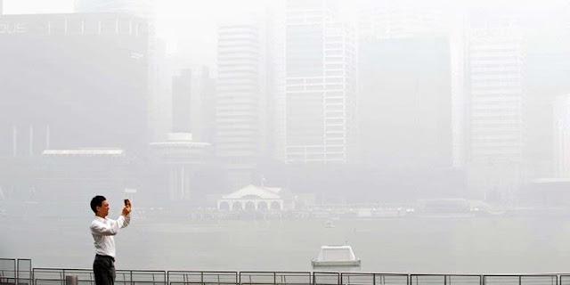 Bom Asap Untuk Singapura