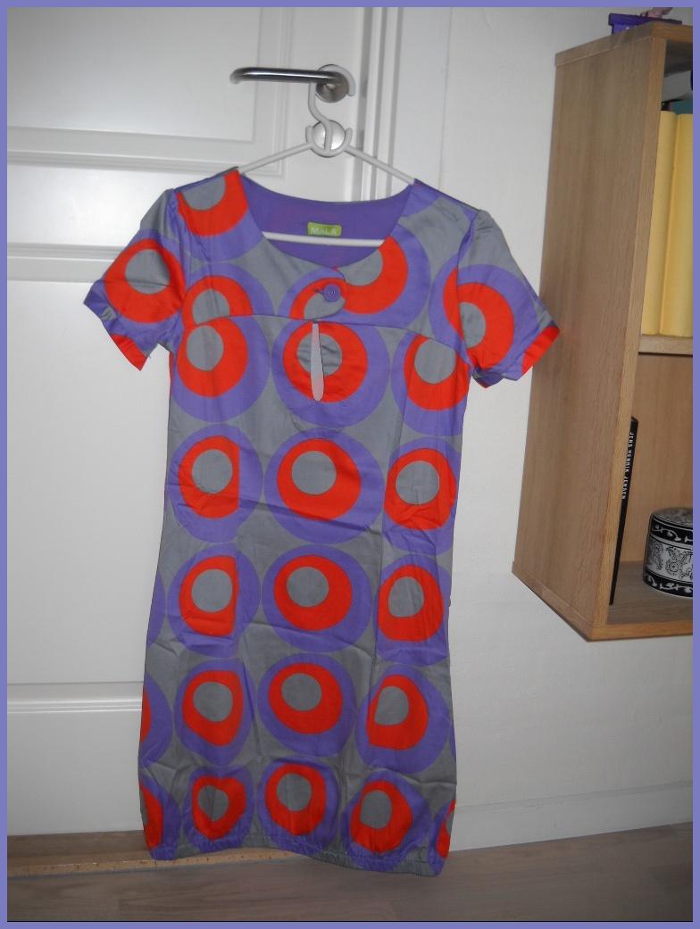 Se min kjole den er i fede farver altså var i min mødregruppe i