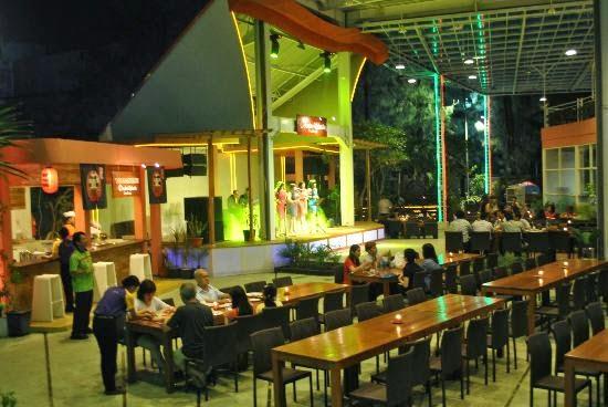 bandar-djakarta-surabaya-hall-musik